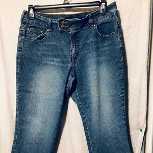 DENIM CAPRIS BY CATO SIZE 14